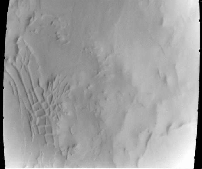 """Misteriosa fotografía de la """"Ciudad Inca"""" tomada por el Mariner 9 y que generó nuevos rumores de ciudades marcianas. Crédito de la imagen: NASA"""