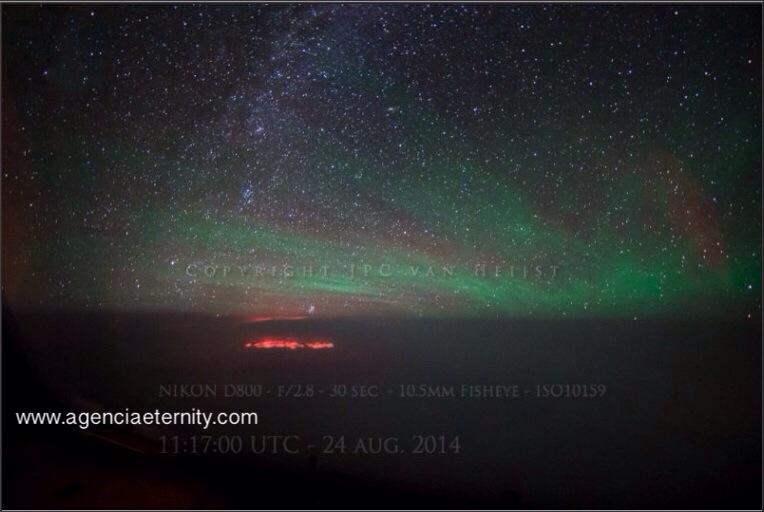 Un piloto fotografía un misterioso resplandor sobre el Océano Pacífico
