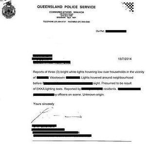 """Una carta de la policía en relación con los informes de """"tres luces blancas brillantes"""" se cierne sobre los hogares en Wooloowin. Foto: Brisbane UFO Sightings"""